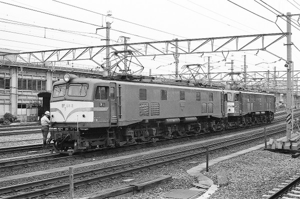 Ef582